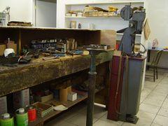 Shoe repair machines & shoe repair tools